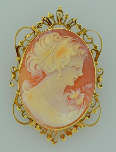 14K Gold Cameo Pin or Pendant