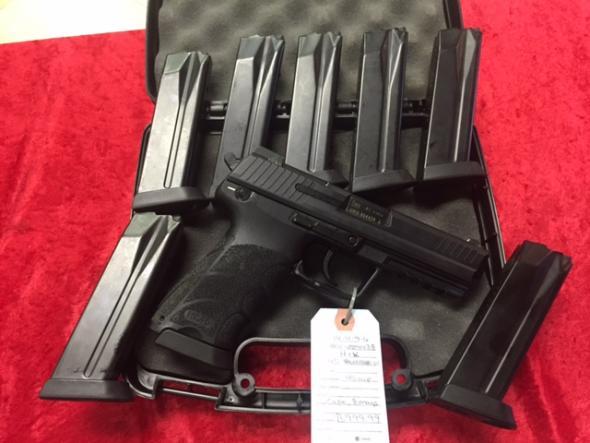 Heckler and Koch HK45 V1 *8 MAGAZINES*
